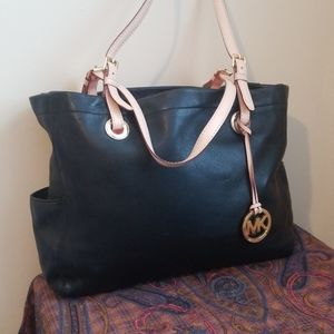 Michael kors thick leather tote black / gold